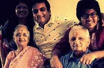 Dilip-Joshi-With-His-Family